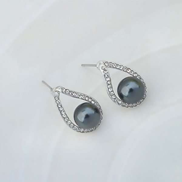 Discover earrings