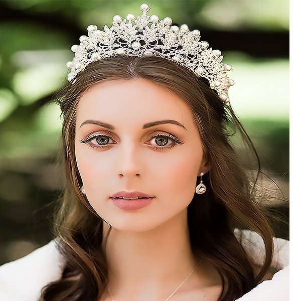 Bridal crown for sale Australia, crystal, bride, bridal, designs, wedding, Forever and Again Bridal and Beauty signature range, bridal, Australia, Melbourne, Hillside, Caroline Springs