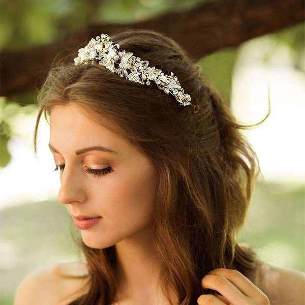 bridal tiara, bridal crown, wedding accessories Australia, bridal, Australia, Melbourne bridal jewellery