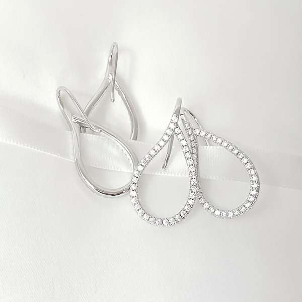Elegant drop crystal earrings