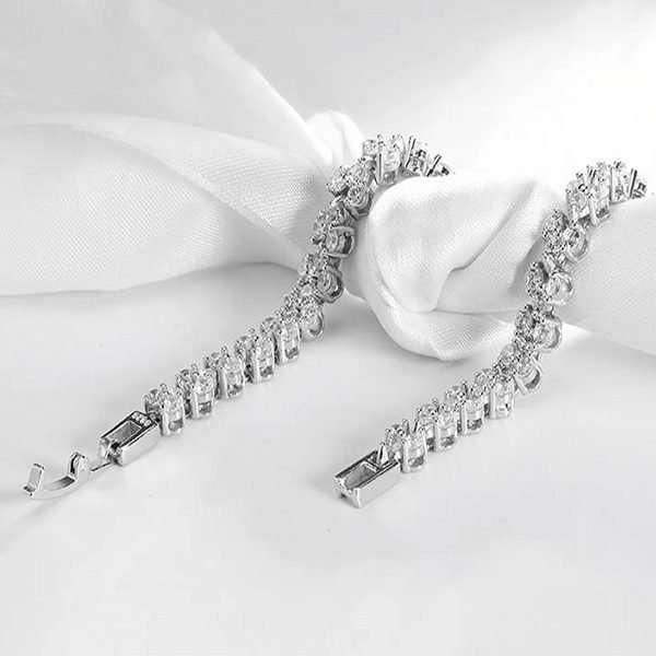 Bracelet collections for the bride, bridal jewellery, bridesmaid jewellery, swarovski crystals