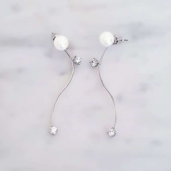 Pearlescent swarovski crystal earrings
