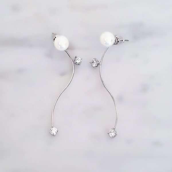 Pearlescent swarovski crystal earrings