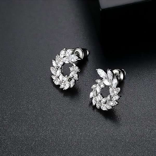 Bridal earrings, wedding accessories