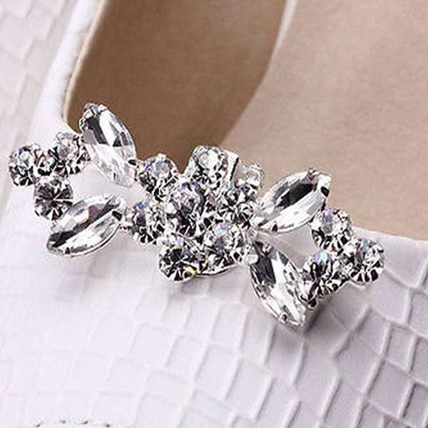 Shoe clips for the bride