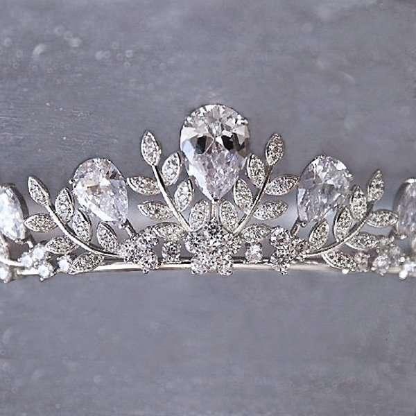 cubic Zirconia crown